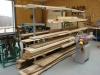 Eines der ersten selbstproduzierten Objekte der Jugendwerkstatt: Metallregal zur Lagerung langer Hölzer